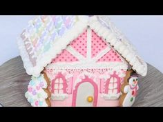 Gingerbread house decoration with royal icing - Detailed Video tutorial - YouTube.com/montrealconfections
