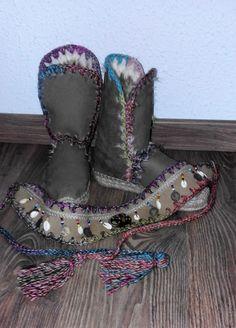 Botas y cinturón de cuero hecho a mano , información 615 07 40 95