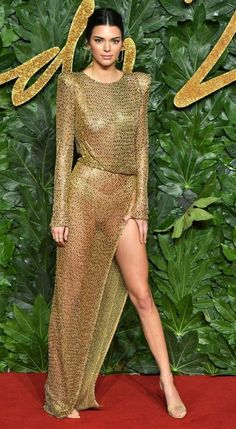 All The Best Looks At The British Fashion Awards, 2018 Kendall Jenner Sparkles in Julien MacDonald. Sexy Dresses, Revealing Dresses, Nice Dresses, British Fashion Awards, High Slit Dress, Sheer Dress, Gold Dress, Celebrity Outfits, Celebrity Style