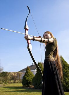 archer - strength and grace Archery Aesthetic, Archery Girl, Archery Poses, Traditional Archery, Bow Arrows, Maquillage Halloween, Action Poses, Very Long Hair, Warrior Princess
