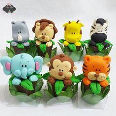 Jungle Cupcakes, Jungle Cake, Jungle Party, Safari Birthday Party, 1st Birthday Cakes, 1st Boy Birthday, Safari Cakes, Fondant Animals, Animal Cakes