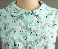 Cuter than cute fox print short sleeved peter pan collar blouse. Moda Mania, Mode Cool, Peter Pan Collar Blouse, Style Personnel, Fox Print, Cute Fox, Zooey Deschanel, Mode Inspiration, Indie