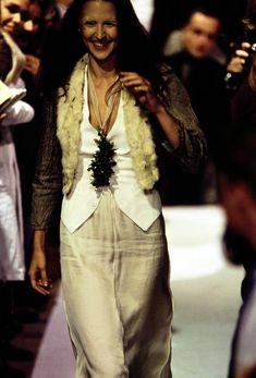 Maison Margiela Spring 1993 Ready-to-Wear Fashion Show - Suzanne von Aichinger