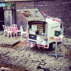 Braithwaites. Tea truck. London.
