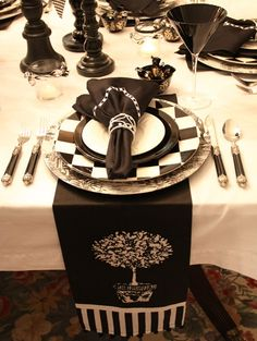 love the drama of the black and white Wedding Decorations, Table Decorations, Wedding Ideas, Moroccan Pouf, Gothic Wedding, Halloween Coloring, Halloween Themes, Holiday Parties, Tablescapes