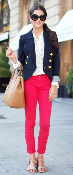 No tengas miedo de darle un toque de color a tu look, sonríe y luce toda tu belleza BodyBrite!