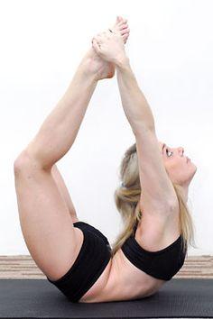 Dhanurasana or the Bow Pose is one of the 12 basic Hatha Yoga poses. It is also one of the three main back stretching exercises. Squat, Namaste, Bow Pose, Bikram Yoga, Yoga Tips, Yoga Fashion, Hot Yoga, Nutrition, Yoga Fitness