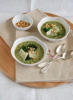 Broccolini and white bean soup / Sopa de brócolis e feijão branco