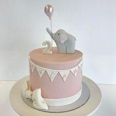 Helene turn 2 years and she got cute elephant cake with balloon Congratulations to Birthday girl ❤️ #birthday #cake #birthdaycake #elephantcake #baloon #elephant #cute #bow #kakkuhelmi #bakery #helsinki #finland #suloinen #fanttikakku #fantti #kakku #elefanttikakku #synttärikakku #syntymäpäiväkakku #rusetti #ilmapallo #viirinauha #vallila