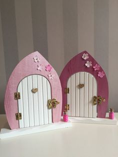 23 Clever DIY Christmas Decoration Ideas By Crafty Panda Christmas Decorations To Make, Christmas Crafts, Hobbies And Crafts, Crafts For Kids, Personalised Gifts Uk, Fairy Crafts, Glitter Houses, Childrens Gifts, Fairy Doors