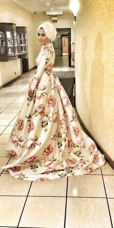 Amazing Wedding dress by Dina Toki-o