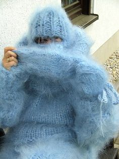 Fluffy Sweater, Mohair Sweater, Wool Sweaters, Gros Pull Mohair, Angora, Knit Fashion, Catsuit, Sweater Outfits, Mittens