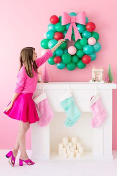 DIY Christmas Balloon Wreath | studiodiy.com