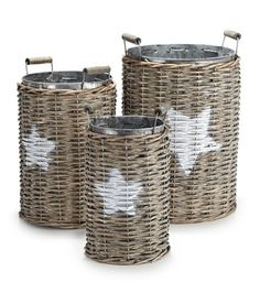 Star baskets,, just love these baskets ...would use them for feather dusters etc.