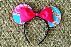 how to make Minnie Mouse ears. Great DIY project!