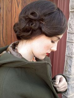 pretty retro hair, dark hair, vintage hair, romantic hair, fine hair, red lips, pin curls, lipstick, hairstyl