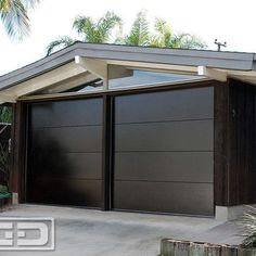 Mid Century Garage Door for a Cliff May's Modern Rancho Style Home in Long Beach - modern - garage and shed - los angeles - Dynamic Garage Door Carriage Style Garage Doors, Custom Garage Doors, Modern Garage Doors, Wood Garage Doors, Front Doors, Door Gate Design, Garage Door Design, Garage Exterior, Exterior Remodel