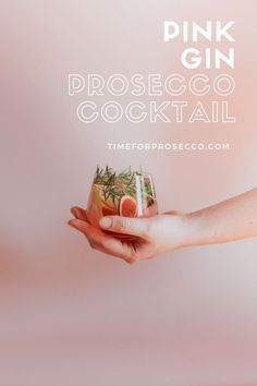 Pink Gin And Prosecco Cocktail - A tall, beautiful drink with a blushing, delicious garnish. That's the secret behind the success of our Pink Gin and Prosecco Cocktail. Gin And Prosecco Cocktail, Prosecco Punch, Prosecco Cocktails, Cocktail Mixers, Fun Cocktails, Cocktail Recipes, Strong Cocktails, Instagram Worthy, Call Her
