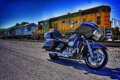 "Credit to @lm4photo ===================== Follow & Tag ""HD Tourers and Baggers"" on Instagram Facebook Twitter & across the Web. ===================== #hdtourersandbaggers ===================== #instamotogallery #instamoto #motorcycles #harleydavidson #roadkingclassic #roadking #roadglide #streetglide #softail #showoffmyharley #harleysofinstagram #harleylife #bikelife #bikersofinstagra #bikestagram #motorcyclelife #harleyriders #customharley #throttlezone #harleydavidsonnation…"