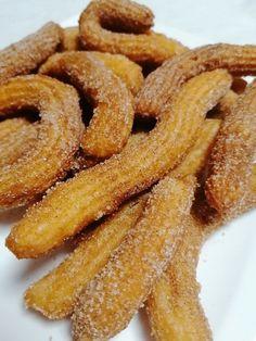 Churros, sokkal egyszerűbb mint gondoltam, ráadásul elképesztően finom! Onion Rings, Churros, Cake Recipes, Food And Drink, Ethnic Recipes, Deserts, Easy Cake Recipes, Onion Strings, Churro