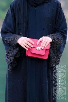 modern islamic dresses jilbabs online Lulu Lace Abaya woman in islam arabian abayas islamic headscarf simple abaya Simple Abaya Designs, Abaya Designs Dubai, Burqa Designs, Dress Brokat Modern, Modele Hijab, Black Abaya, Niqab Fashion, Hijab Trends, Muslim Women Fashion