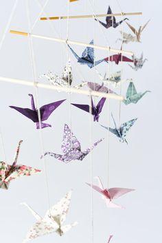 origami kranich mobile ein kranich am tag pinterest origami kranich kranich und origami. Black Bedroom Furniture Sets. Home Design Ideas