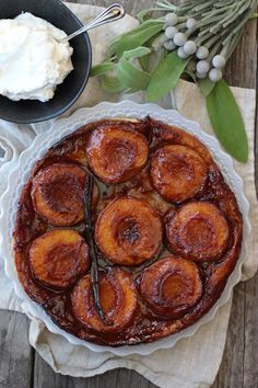 Carmelized Peach Tarte Tatin @honestlyyum
