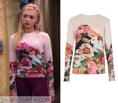 Emma Ross (Peyton List) wears this Pink Floral rose printed long sleeved shirt in this episode of Jessie. It is the Ted Baker Tangled floral print sweater. Teenager Outfits, Girly Outfits, Stylish Outfits, Fashion Outfits, Jessie Emma, Emma Ross, Long Sleeve Tops, Long Sleeve Shirts, Jamie Lynn Spears