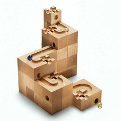 Basic building block set | 10 Wondrous Wooden Toys for Kids - Tinyme Blog
