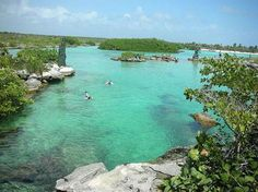 Very large lot for sale in Akumal, Riviera Maya with direct access to Yal Ku Lagoon $289,000 USD