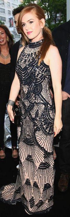 Who made Isla Fisher's beaded gown and clutch black handbag? Dress – L'Wren Scott Purse – Roger Vivier Red Gowns, Maxi Gowns, Dresses, Isla Fisher, Beaded Gown, Black Handbags, Woman Crush, Girl Crushes, Wren