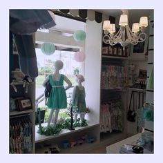 Loja Amélie Mundo Infantil #moda #Fashion #window #kids @infantil #vestido #fofo #loja #modainfantil #store #lindo #flower #vitrine #roupas
