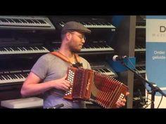 """Trekzakmiddag bij """"Muziekhuis Da Capo"""" in Nietap op 14 mei 2016, hier Remco Sietsema, in actie 1 - YouTube"""