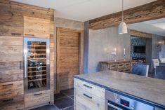 Kitz Boutique Chalet - Exklusives Ferien Chalet bei Kitzbühel Boutique, Bungalow, Kitchen Island, Austria, Home Decor, Kitchens, Wood Interior Design, Interior Home Decoration, Old Wood