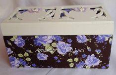 Caixa em MDF forrada com tecido 100% algodão. Parte superior pintada com tinta pva e envernizada com verniz acrílico fosco. R$ 50,00