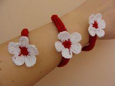 Imagini pentru martisor crosetat Baba Marta, Crochet Necklace, Sewing, Jewelry, Wave, Fashion, Moda, Dressmaking, Jewlery