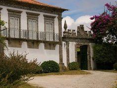 Quinta do Paço d'Anha da Família Agorreta Alpuim. Vila Nova de Anha Portugal, Solar, Mansions, House Styles, Travel, Home Decor, Old Homes, Environment, Arquitetura