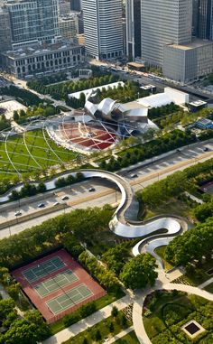 Millennium Park | Travel | Vacation Ideas | Road Trip | Places to Visit | Chicago | IL | Other Historical | Historic Site | City Park | Architectural Site | Art Gallery | Tourist Attraction