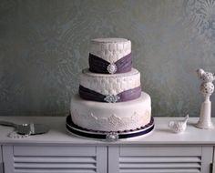 Plum Wedding Cake #EasyNip