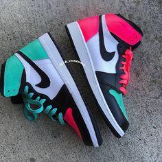 """Custom Air Jordan 1 """"South Beach"""" 📸 By Cute Sneakers, Sneakers Mode, Sneakers Fashion, Fashion Outfits, Jordan Shoes Girls, Girls Shoes, Newest Jordan Shoes, Sneakers Nike Jordan, Souliers Nike"""
