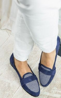 Women shoes High Heels Wedges Pumps - - Women shoes Slip On Street Styles - - Women shoes And Boots Casual Pretty Shoes, Beautiful Shoes, Cute Shoes, Me Too Shoes, Shoe Wardrobe, New Shoes, Flat Shoes, Mode Style, Womens Shoes Wedges