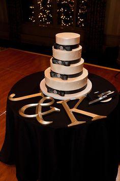 Wedding cake table | Matt Mason Photography | Lake Geneva, WI