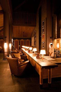 Amazing contract furniture and hotel design ideas in this amazing hotel lobby. Hotel Lounge, Bar Lounge, Lobby Lounge, Commercial Interior Design, Commercial Interiors, Restaurant Concept, Restaurant Bar, Lobby Interior, Cafe Bistro