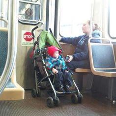 """bloglosingrip - fotos engraçadas 15 - Pelo menos assim ele num fica """"enchendo o saco"""" a viagem todinha!..."""