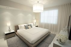 White+master+bedroom+with+grey+rug