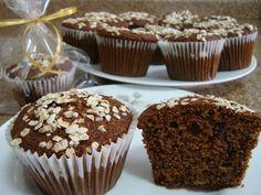 muffin de banana integral, fácil, com canela, açúcar mascavo e farinha de aveia.