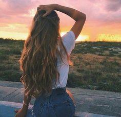 hair, girl, and sunset kép Disney Instagram, Instagram Girls, Sunset Photography, Fashion Photography, Landscape Illustration, Illustration Art, Sunset Photos, Tumblr Girls, Beautiful Sunset
