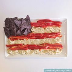 4th of July Food Ideas: American Flag Dip #4thofJuly #partyideas #foodideas #peartreegreetings