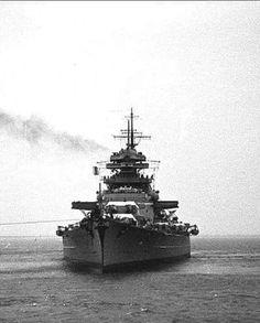 Bismarck Bismarck Battleship, Hms Prince Of Wales, Hms Ark Royal, Hms Hood, Heavy Cruiser, Naval History, Armada, Navy Ships, War Machine