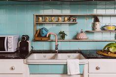 Old Apartments, Sink, Kitchen Cabinets, Studio, Inspiration, Home Decor, Color, Renovation, Kitchens